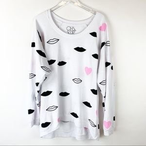 Chaser Lips & Hearts Oversized Sweatshirt L